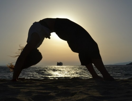 Sunset Yoga : η στάση του τροχού