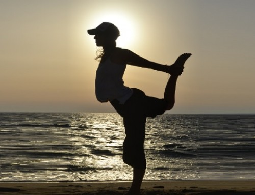 Sunset yoga: standing dancer