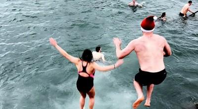 Χειμερινή κολύμβηση