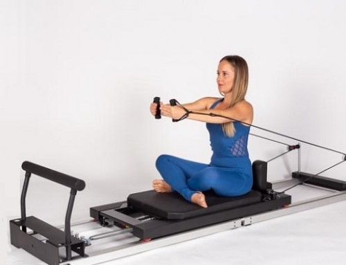 Pilates@home using a home reformer: hug a tree